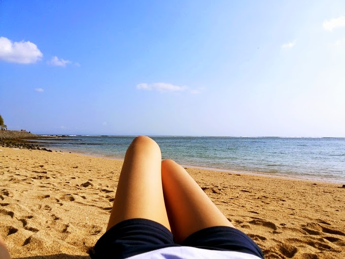 4f7e3b361cb5d clurlie  Sunbathing at Kila Senggigi Beach Resort