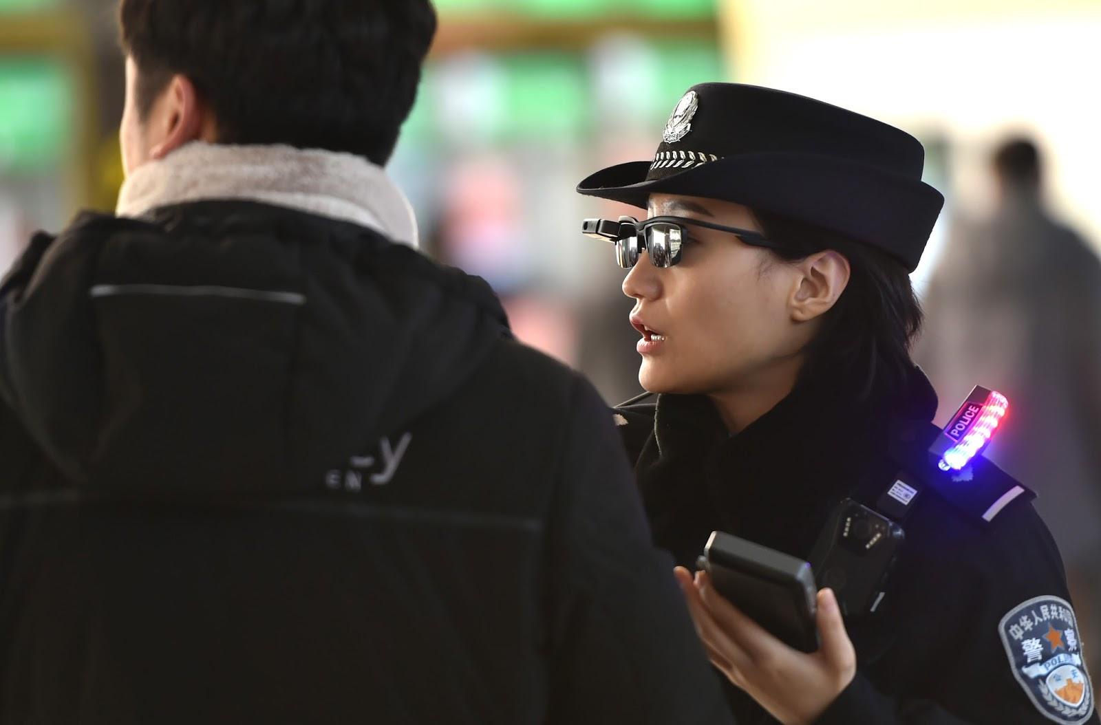 polisi-tiongkok-gunakan-kaca-mata-pintar-untuk-deteksi-wajah-kriminal