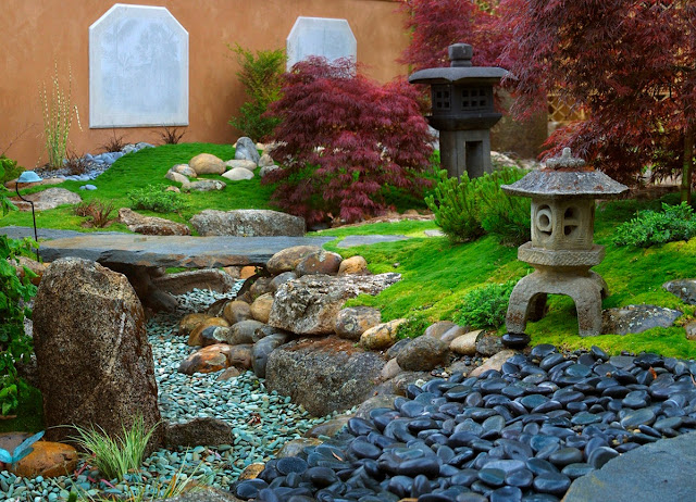landscaping stones into your landscaping design