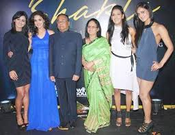 Kriti Mohan Family Husband Son Daughter Father Mother Age Height Biography Profile Wedding Photos