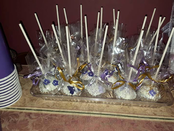 A Delicious Addition to Your Next Party: Dips Cake Pops