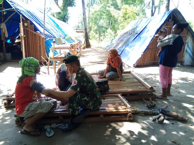 Warga Pengungsi Ambon Dapat Layanan Kesehatan Satgas Yonif Raider Khusus 136/TS