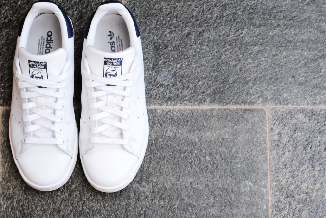 clean white shoes sneakers tutorial