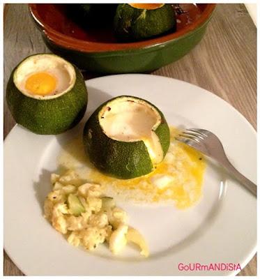 image Courgette ronde farcie : façon œuf cocotte au boursin