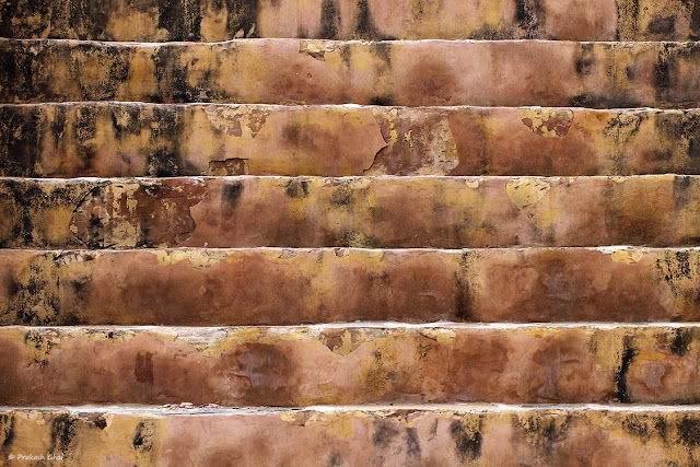 Minimal Art Photography using Decayed Stairs as a Minimalist Subject.