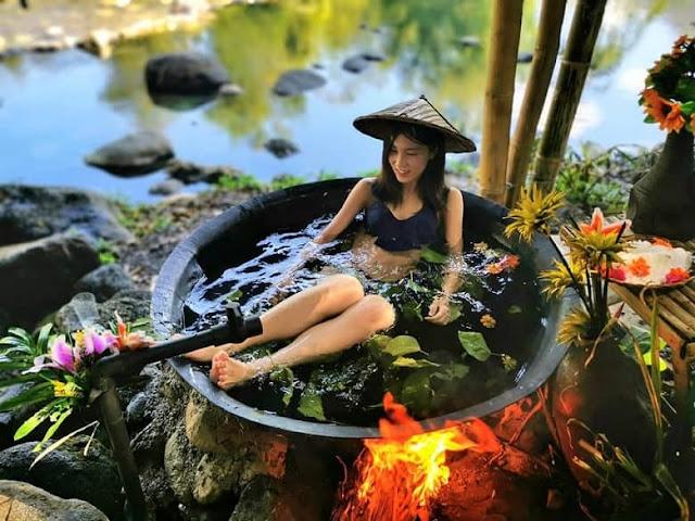 Kawa bath in Antique