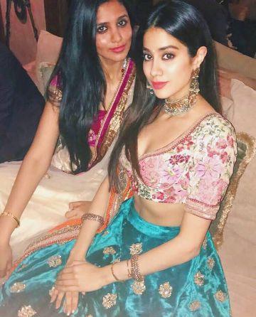 Jhanvi Kapoor celebrated her birthday in this style.