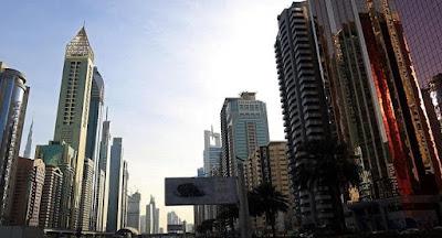 سيلفى يلقى فتاة اسيوية, الطابق الـ 17 في دبي,
