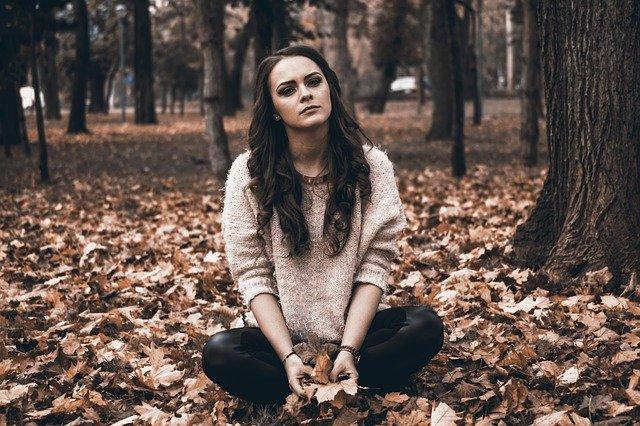 Buat Kamu si Introvert, Lakukan Ini supaya Kamu Gak Tenggelam Dalam Kesendirianmu