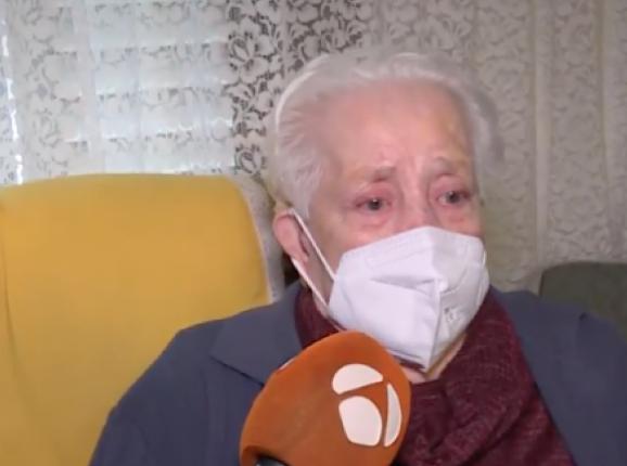 Desahucian por error a una anciana de 97 años de su casa de Barcelona