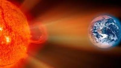 الجمعية الفلكية بجدة: انفجار مغناطيسي بالشمس وتوهج صغير باتجاه الأرض