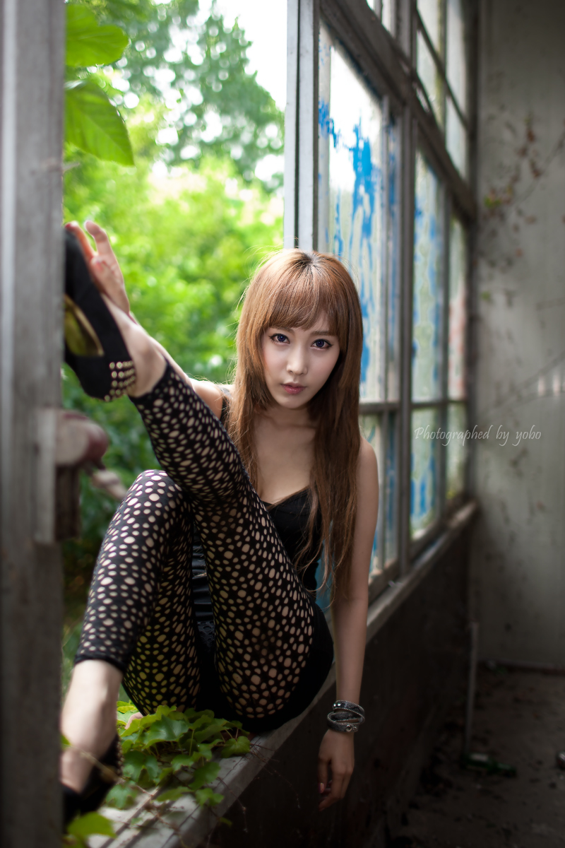 young min im idols korean goes legs