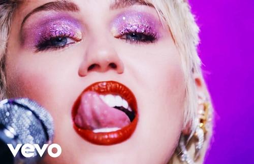 Midnight Sky   Miley Cyrus Lyrics