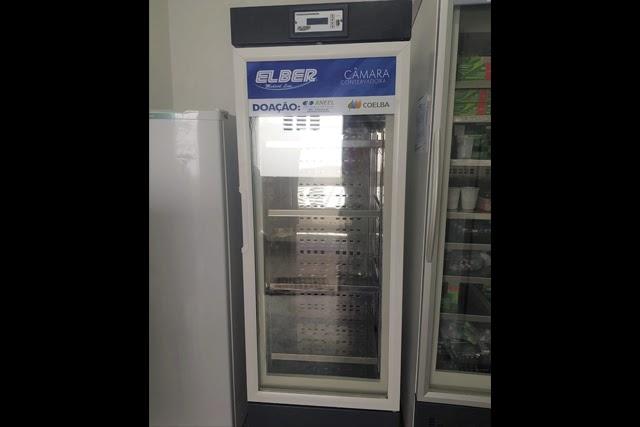 Mucugê recebe Refrigerador Científico da Coelba para armazenamento de vacinas