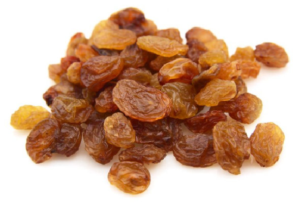 What are the benefits of eating raisins on an empty stomach ?