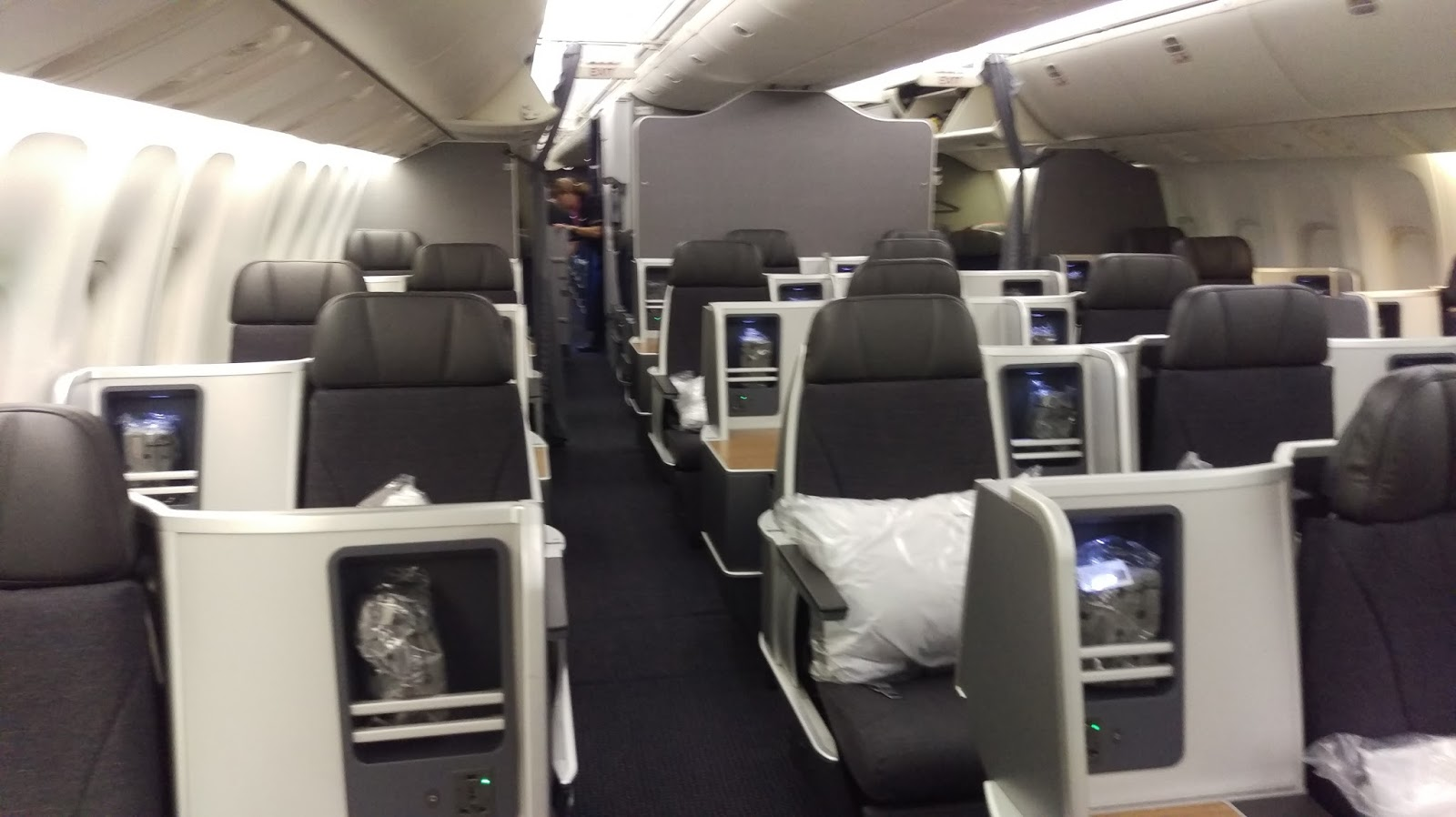 American Airlines: BCN to JFK - Boeing 767 Business Class