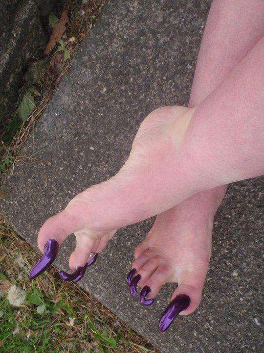 Arinda Storm Weaver Gallery: Long Violet Toenails