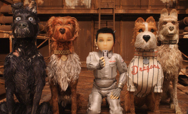 Atari (voiced by Koyu Rankin, middle) and the rest of the dogs in ISLE OF DOGS (2018)