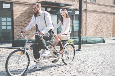 Ślub i wesele w hipsterskim klimacie.