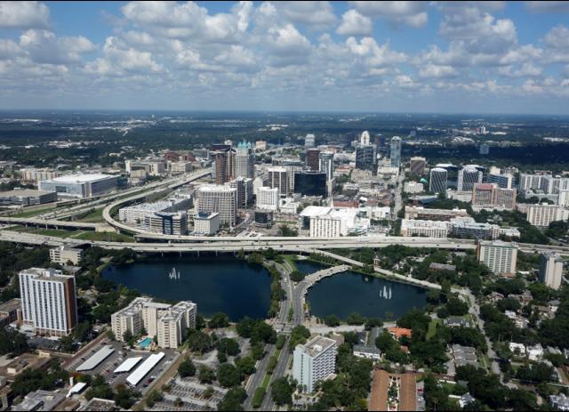 web donde reservar coche de alquiler en Orlando
