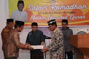 Safari Ramadhan di Desa Kampiri,Bupati Soppeng berikan sumbangan dana Masjid