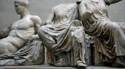 «Το δίκαιο είναι με το μέρος της Ελλάδας στην υπόθεση των γλυπτών του Παρθενώνα, παλεύουμε σταθερά για την επανένωσή τους»