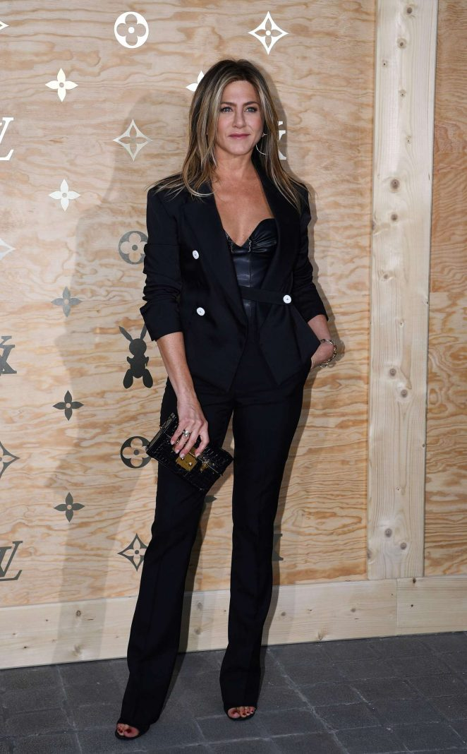 Jennifer Aniston – Louis Vuitton & Jeff Koons Masters Collection Collaboration in Paris
