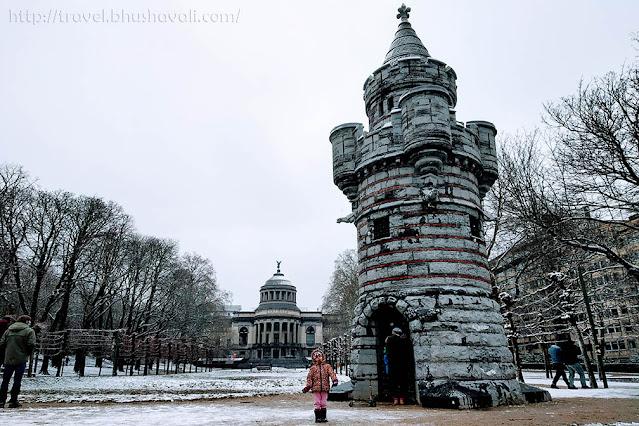 Snow in Brussels Cinquantenaire Tour de Tournai