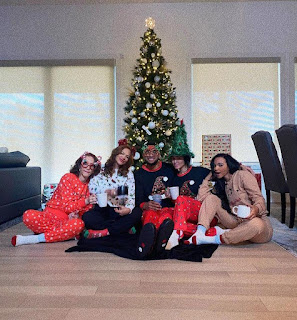 Damaris Is With Her Friends And Her Boyfriend Cory Enjoying Christmas