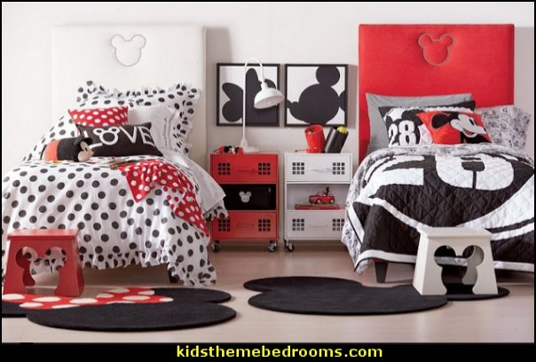shared bedroom ideas mickey minnie theme bedroom decorating ideas