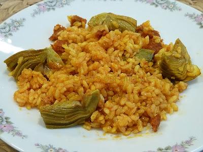 arroz con sobrasada y alcachofas
