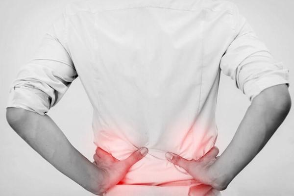 Đau lưng đốt sống lưng có nguy hiểm không?