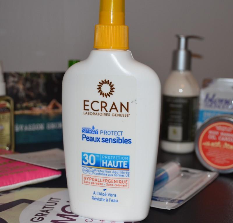 Spray solaire protect peaux sensibles par les laboratoires Genesse