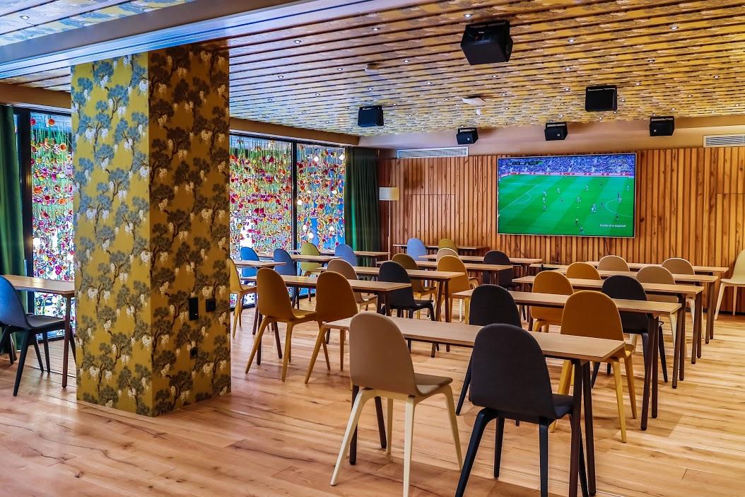Thegoalmac blog welcome to messi 39 s restaurant in for Bar jardin barcelona