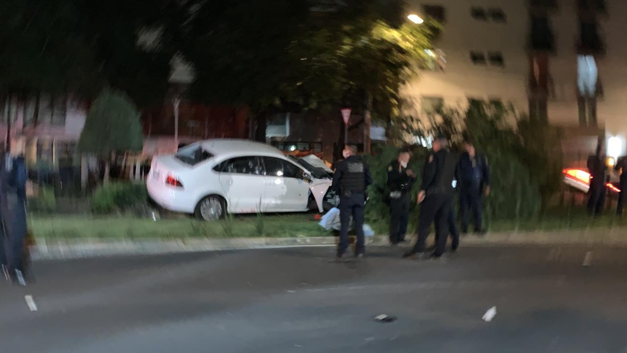 En la alcaldía Iztacalco, de la Ciudad de México intentan huir de Sicarios que los perseguían en moto, se estrellan y los ejecutan