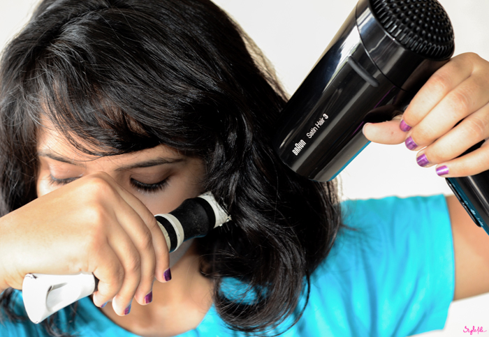 Using my Braun Satin Hair 3 blow-dryer, I've blow dried my hair to reduce the frizz that occurs in the monsoon season as well as to get smooth hair