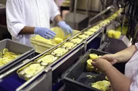 تشغيل 33 عاملة في صناعة المواد الغذائية بالدار البيضاء