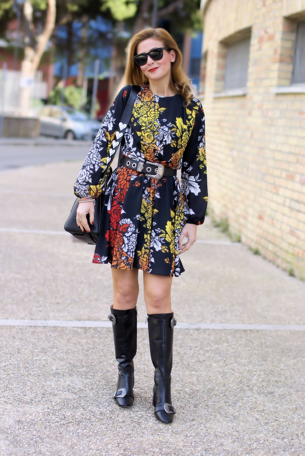 How to wear western belt buckles: Cesare Paciotti boots on Fashion and Cookies fashion blog, fashion blogger