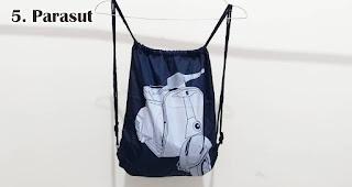 Parasut merupakan salah satu bahan yang sering digunakan untuk membuat tas serut