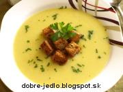 Kalerábová polievka s chrumkavými krutónmi - recept
