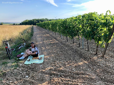French Village Diaries #LazySundayinFrance picnic in the vineyards