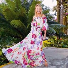 Hoje nós vamos nos inspirar em alguns looks da apresentadora do SBT e também empresária Eliana que apresenta  um programa todos os domingos no SBT. Eliana com uma carisma conquistou o público com o seu jeitinho, e é hoje uma das apresentadoras  mais conceituadas da TV brasileira. Agora vamos nos inspirar no looks dessa diva: