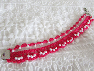 https://www.etsy.com/listing/527835133/hot-pink-crochet-bracelet-with-white?ref=listing-shop-header-3