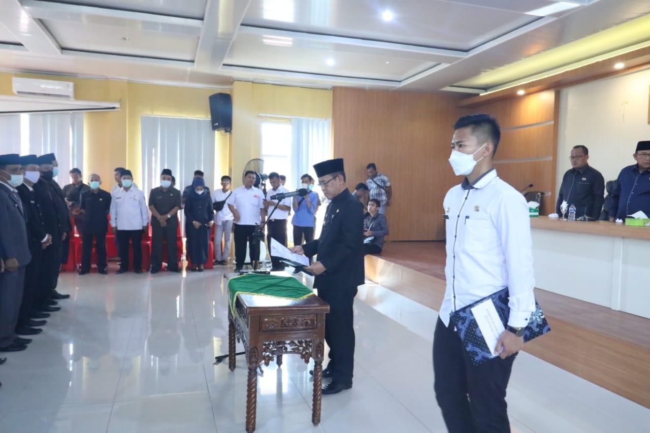 Wakil Bupati Muratara Inayatullah saat pelantikan dan sumpah jabatan 38 pejabat dilingkungan Pemkab setempat. (Poto/Ist