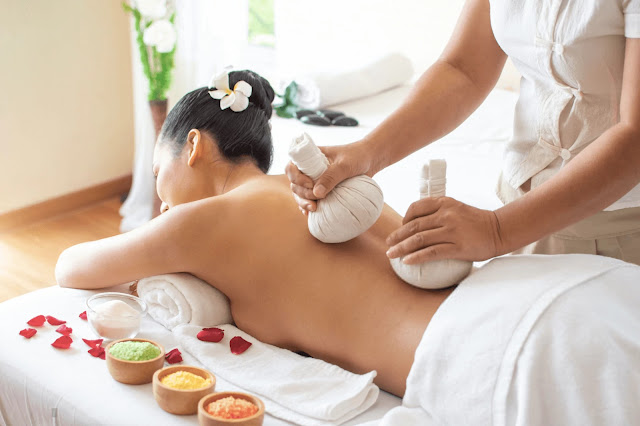 thai herbal massage - Low back pain between modern and alternative medicine - LBC5