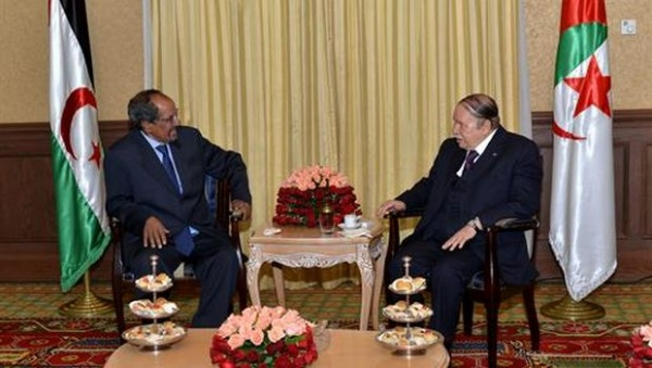 El Presidente Bouteflika decreta duelo nacional durante ocho días en homenaje a Mohamed Abdelaziz