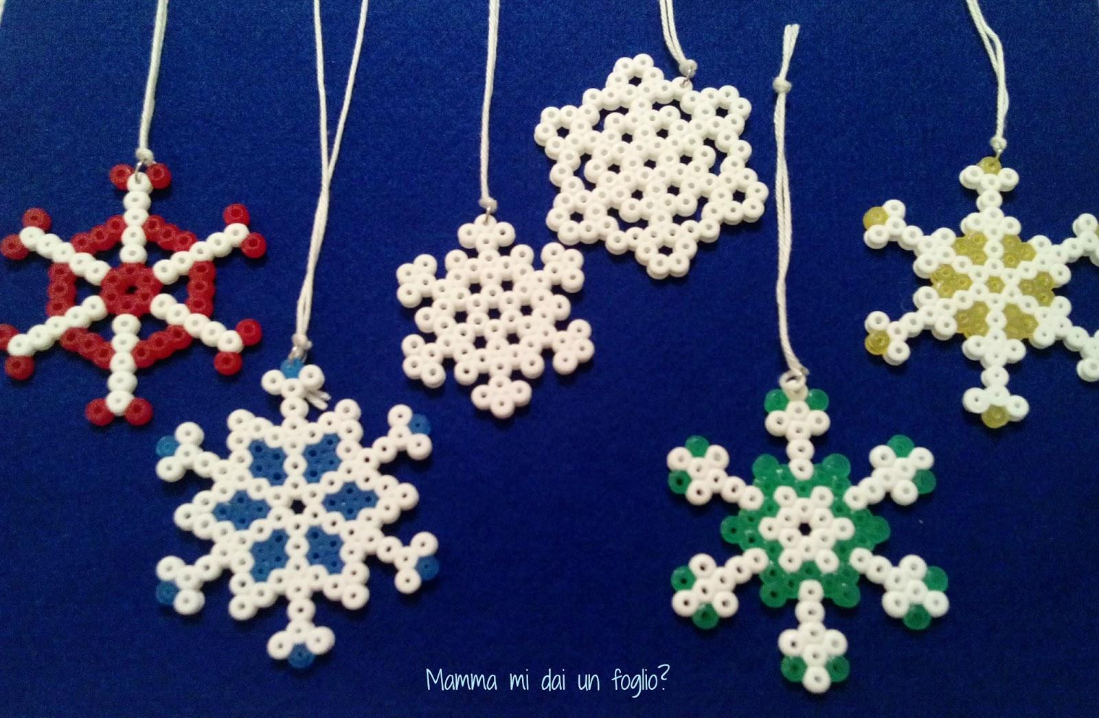 Super Mamma mi dai un foglio?: Fiocchi di neve con le perline da stirare HM26