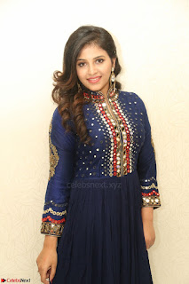 Anjali looks super cute at Chitrangada Pre Release Function March 2017 033.JPG