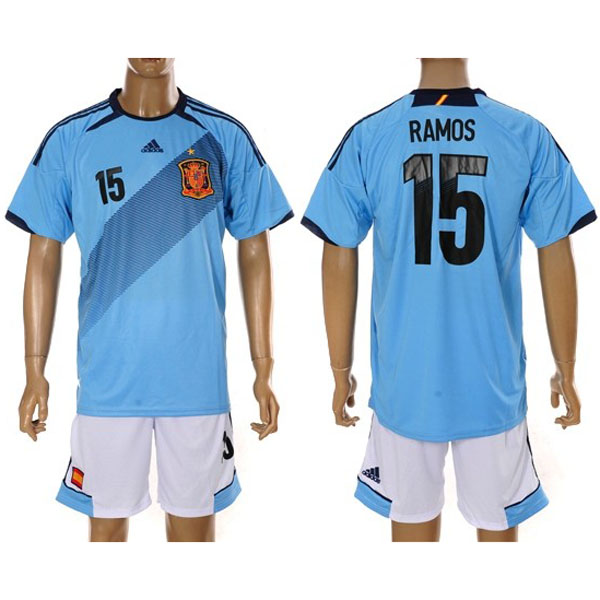 Camiseta oficial Adidas en azul celeste con varios detalles en negro como  la franja en diagonal en la parte frontal de la camiseta o en las mangas. 9a931fb9e308a