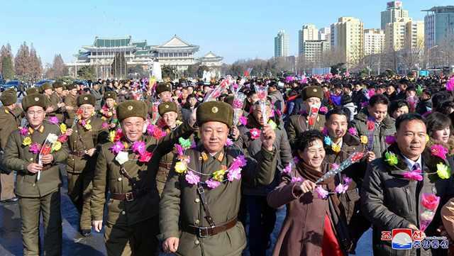 Pyongyang welcomes ICBM heroes